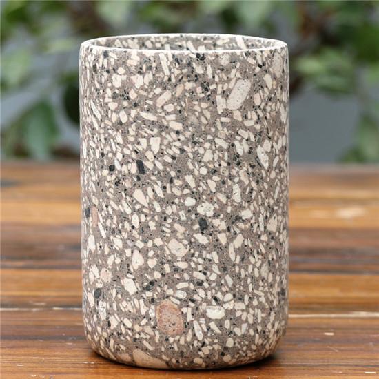 麦饭石制造的水杯