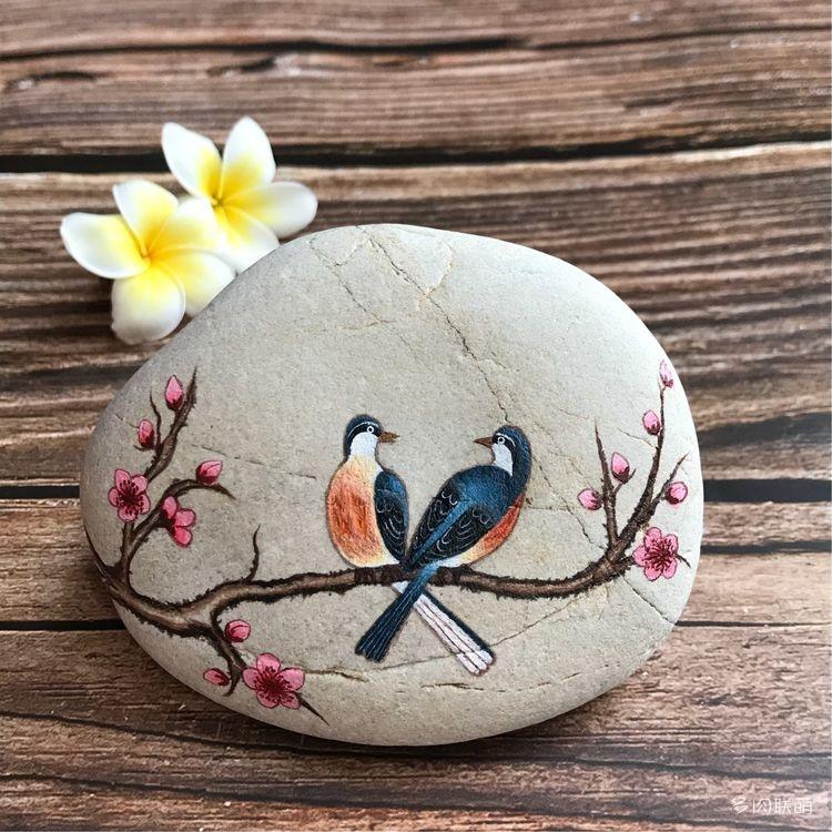 手绘花盆、石头